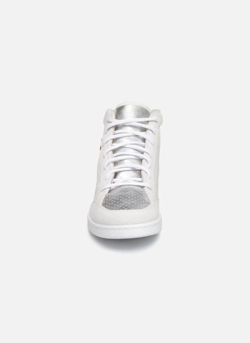Sneaker Victoria Tenis Piel x Valentine weiß schuhe getragen