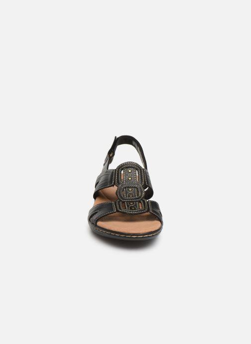 Sandales et nu-pieds Clarks Leisa Vine Noir vue portées chaussures