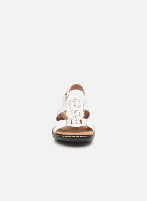 Sandales et nu-pieds Clarks Leisa Vine Blanc vue portées chaussures