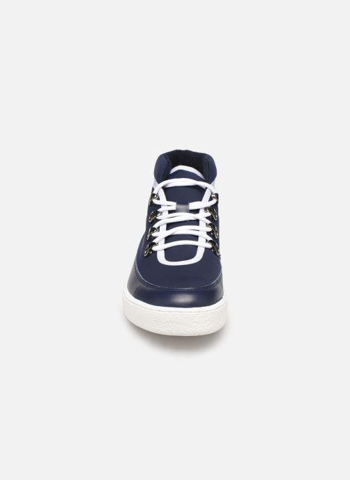 Baskets Aigle Skilon Mid W Bleu vue portées chaussures