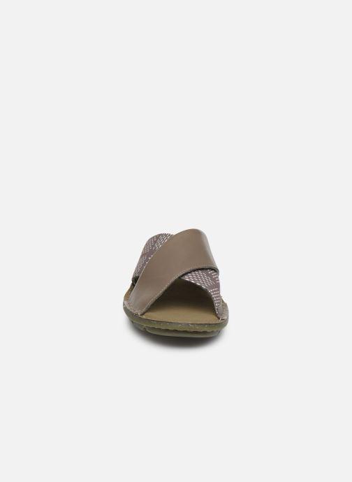 Mules et sabots Clarks Blake Sydney Vert vue portées chaussures