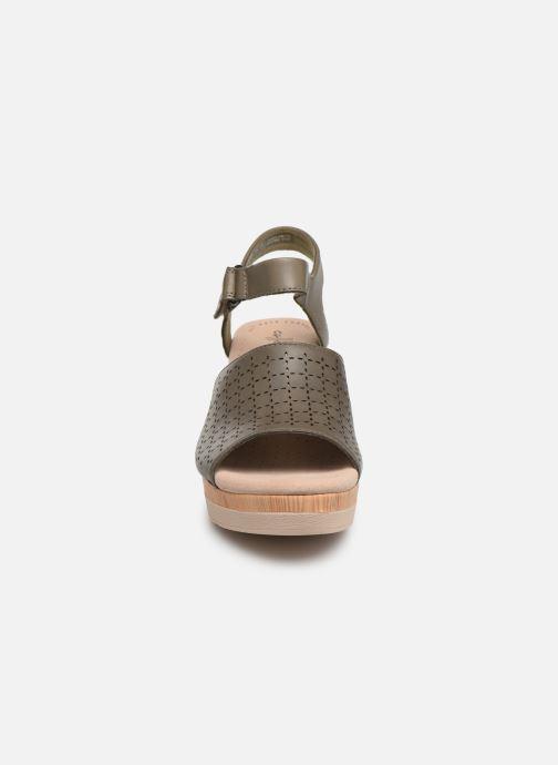 Sandales et nu-pieds Clarks Cammy Glory Vert vue portées chaussures