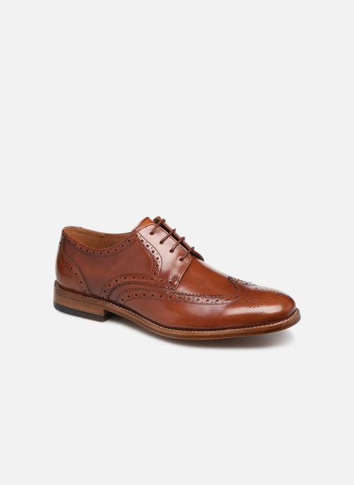 Lace-up shoes Clarks James Wing Brown detailed view/ Pair view