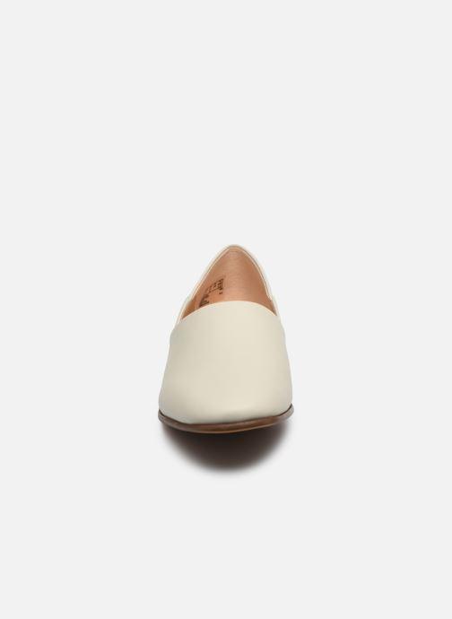 Mocassins Clarks Pure Tone Blanc vue portées chaussures