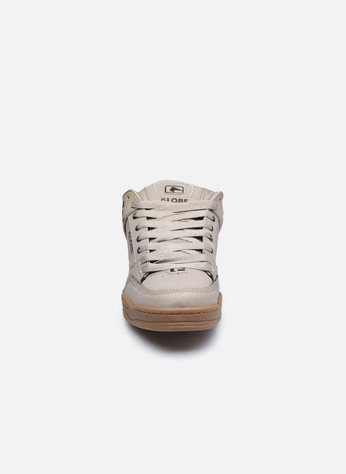 Sneaker Globe Tilt C grau schuhe getragen