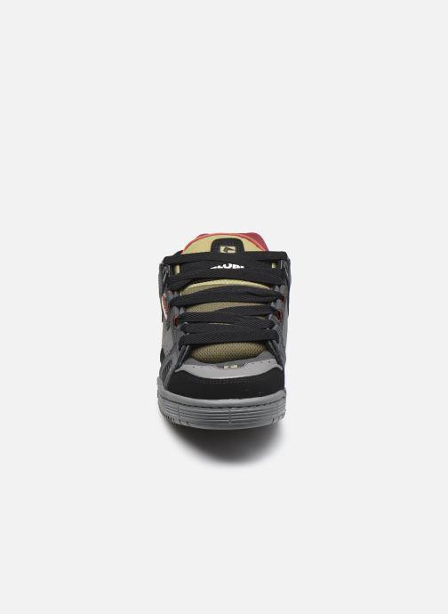 Sneaker Globe Sabre C grau schuhe getragen