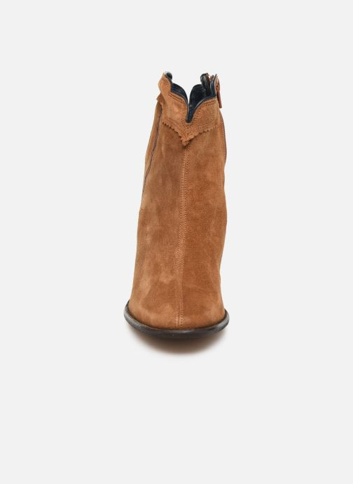 Ankle boots Bensimon Santiags Cisco Brown model view