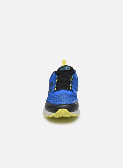 Chaussures de sport New Balance MTNTR Bleu vue portées chaussures