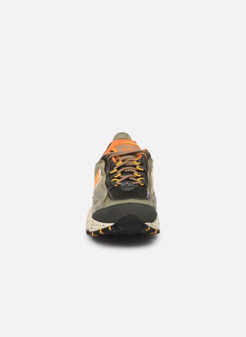 Baskets New Balance ML801 Gris vue portées chaussures