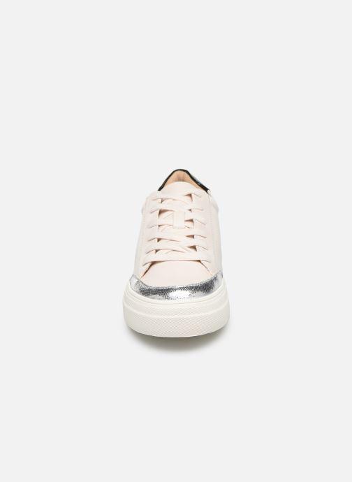 Baskets Vanessa Wu BK2037 Blanc vue portées chaussures