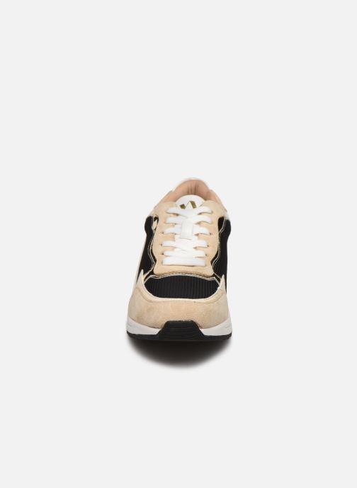 Baskets Vanessa Wu BK2034 Beige vue portées chaussures