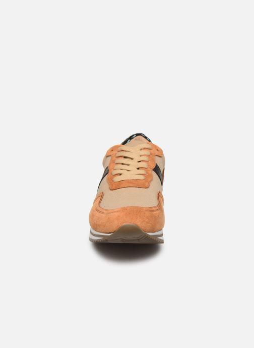 Sneaker Vanessa Wu BK2035 braun schuhe getragen