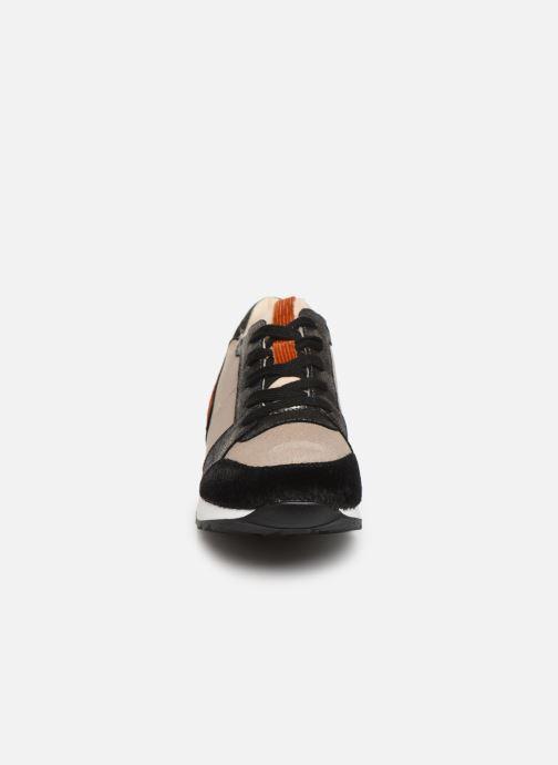 Baskets Vanessa Wu BK2024 Marron vue portées chaussures
