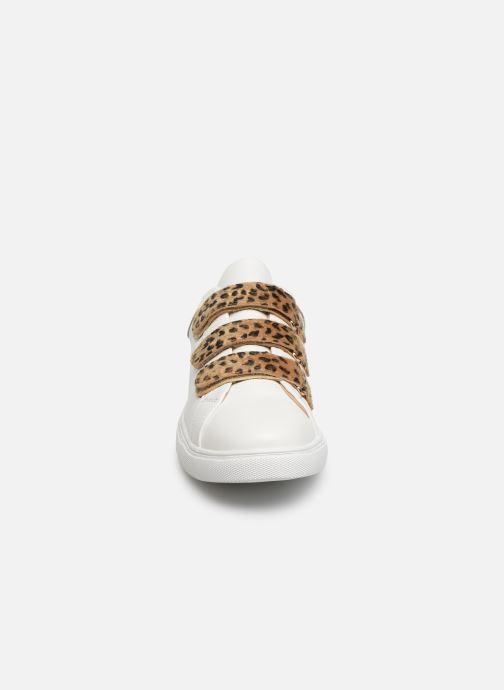 Baskets Vanessa Wu BK2000 Blanc vue portées chaussures