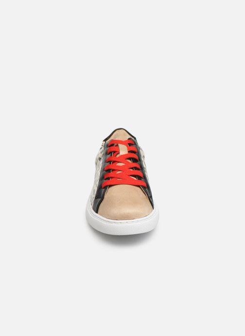 Baskets Vanessa Wu BK2005 Beige vue portées chaussures