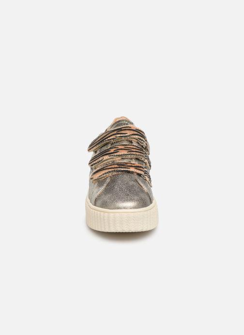 Baskets Vanessa Wu BK2004 Or et bronze vue portées chaussures