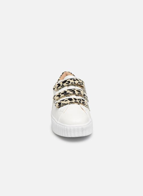 Baskets Vanessa Wu BK2004 Blanc vue portées chaussures