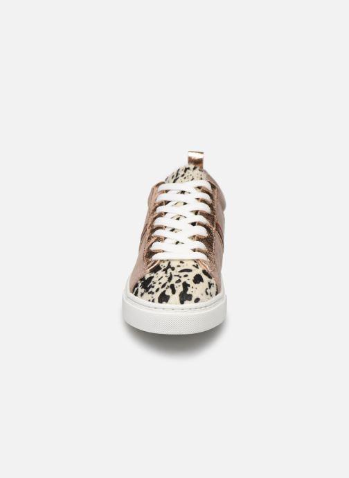 Baskets Vanessa Wu BK2003 Beige vue portées chaussures