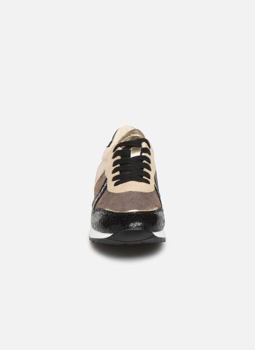 Baskets Vanessa Wu BK1999 Beige vue portées chaussures
