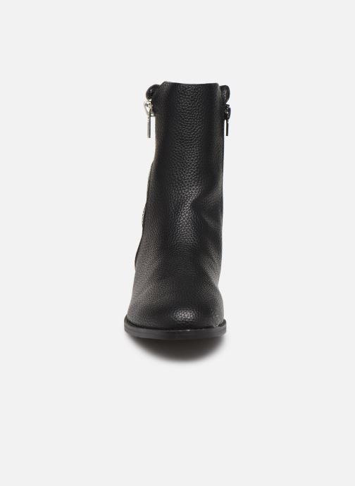 Stiefeletten & Boots Vanessa Wu BT2016 schwarz schuhe getragen
