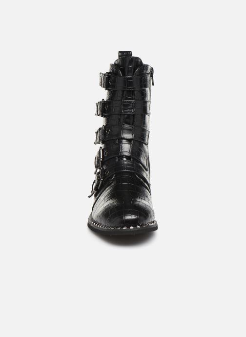 Stivaletti e tronchetti Vanessa Wu BT2017 Nero modello indossato