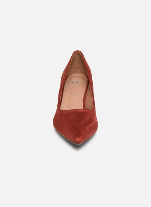 Zapatos de tacón Vanessa Wu EC2046 Rojo vista del modelo