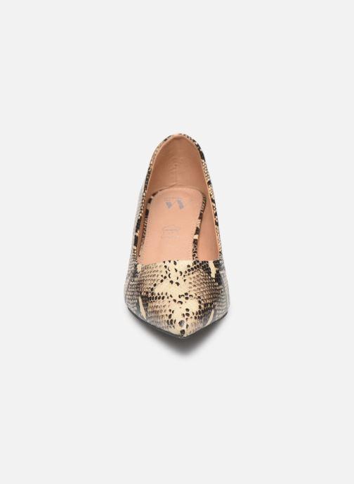 Zapatos de tacón Vanessa Wu EC2051 Beige vista del modelo
