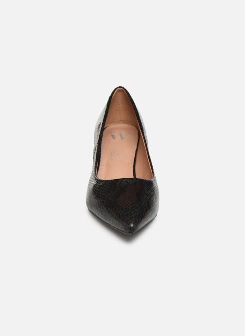 Zapatos de tacón Vanessa Wu EC2051 Negro vista del modelo
