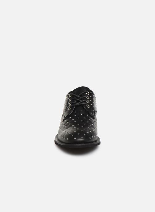 Scarpe con lacci Vanessa Wu RL2018 Nero modello indossato