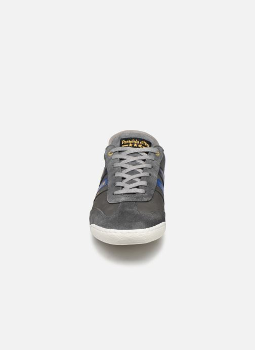 Baskets Pantofola d'Oro VASTO UOMO LOW Gris vue portées chaussures