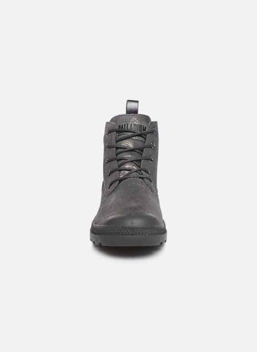 Bottines et boots Palladium Pampa LDN LP MID MTL Gris vue portées chaussures