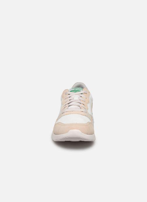Chaussures de sport Skechers City Jogger Blanc vue portées chaussures