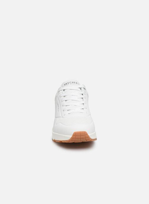 Sportssko Skechers Uno Stand On Air Hvid se skoene på
