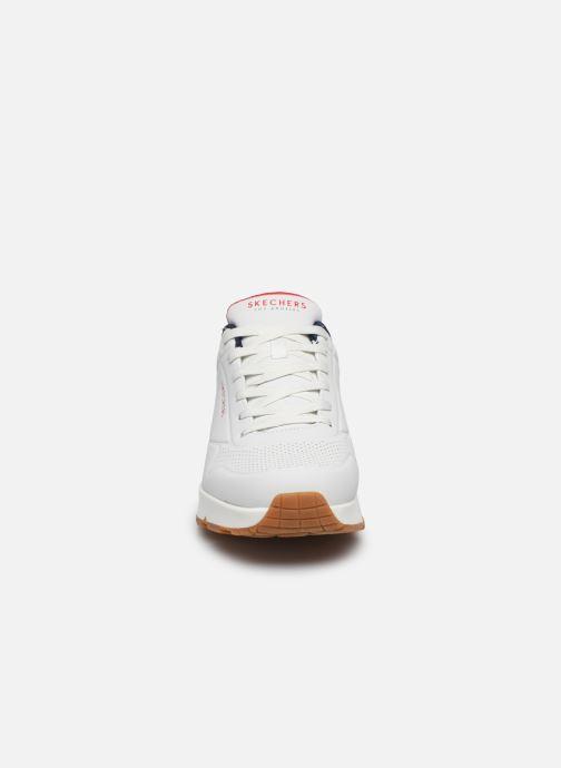 Chaussures de sport Skechers Uno Stand On Air Blanc vue portées chaussures