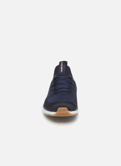 Chaussures de sport Skechers Solar Fuse Bleu vue portées chaussures