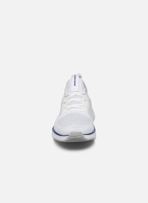 Chaussures de sport Skechers Solar Fuse Blanc vue portées chaussures