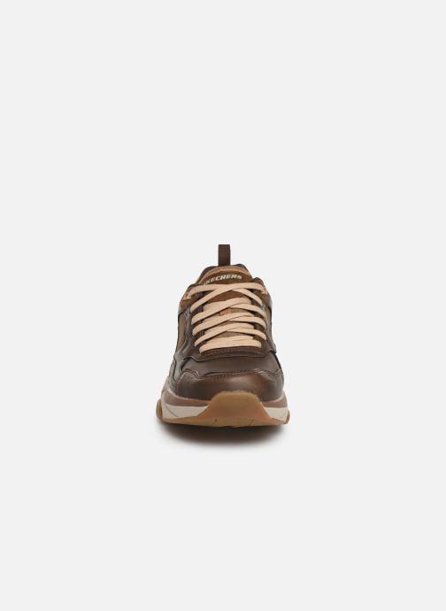 Sneaker Skechers Staxed Brandin braun schuhe getragen