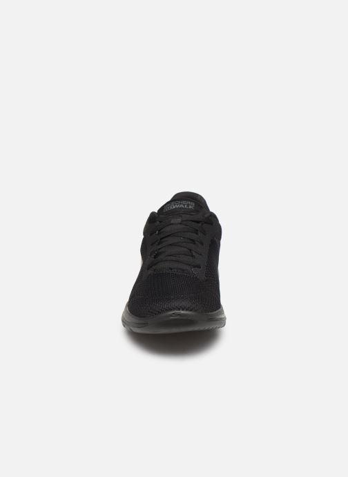 Chaussures de sport Skechers Go Walk 5 Lucky Noir vue portées chaussures