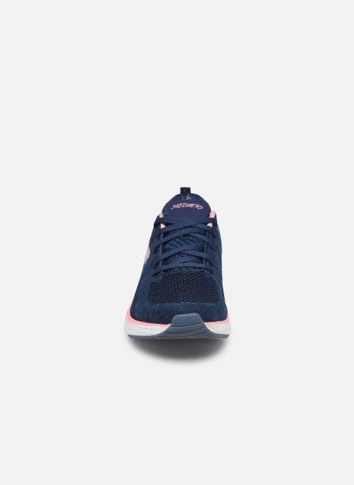 Chaussures de sport Skechers Solar Fuse Brisk Escape Bleu vue portées chaussures