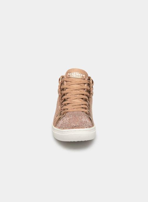 Sneakers Skechers Goldie Starling Oro e bronzo modello indossato