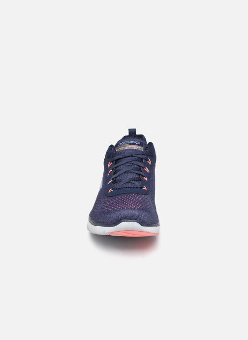 Chaussures de sport Skechers Flex Appeal 3.0 Breezin' Kicks Bleu vue portées chaussures
