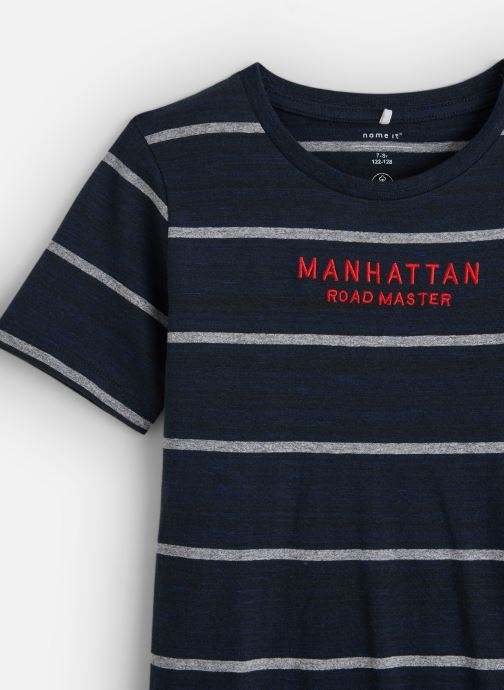 Vêtements Name it T-Shirt Nkmknut Ss Top Box Bleu vue portées chaussures