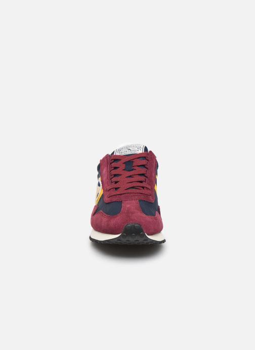 Baskets Polo Ralph Lauren Train 90/ Suede Rouge vue portées chaussures