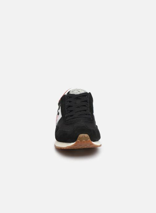 Baskets Polo Ralph Lauren Train 90/ Suede Noir vue portées chaussures