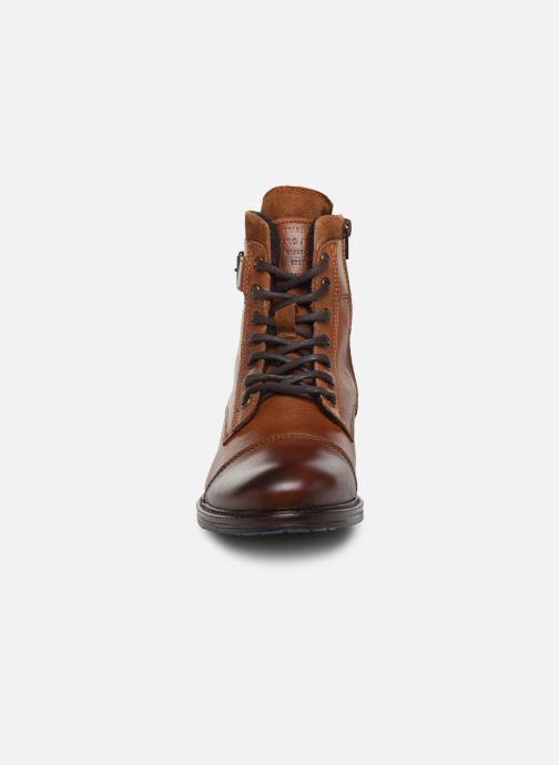 Bottines et boots Mustang shoes Tony Marron vue portées chaussures