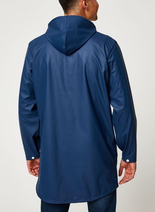 Vêtements Tretorn Wings Rainjacket M C Bleu vue portées chaussures