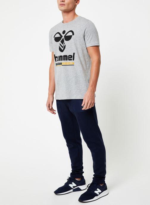 Vêtements Hummel Hmljonas T-Shirt S/S Gris vue bas / vue portée sac