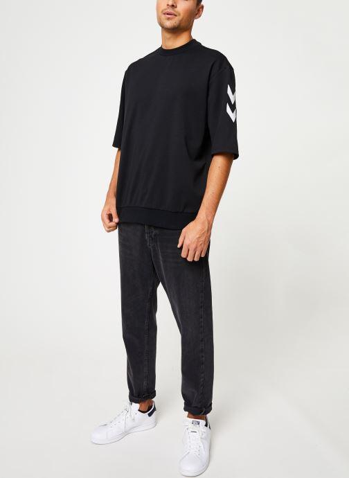 Vêtements Hummel Hmlclaes T-Shirt Ss Noir vue bas / vue portée sac