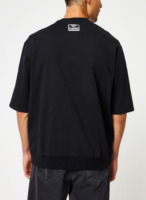 Vêtements Hummel Hmlclaes T-Shirt Ss Noir vue portées chaussures