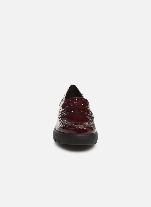 Mocassins Geox DWIMBLEYMOC Bordeaux vue portées chaussures